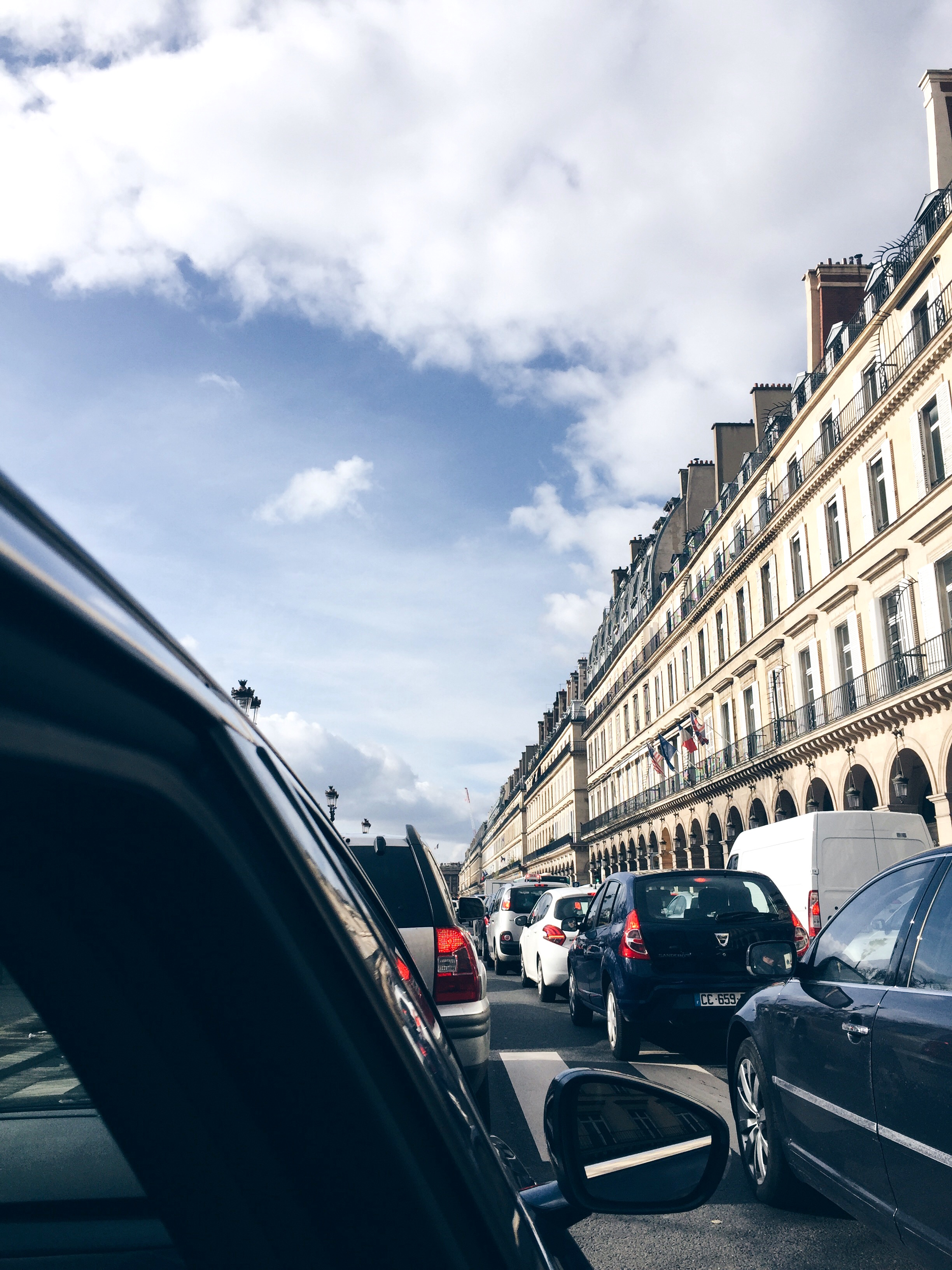 paris-view-by-car