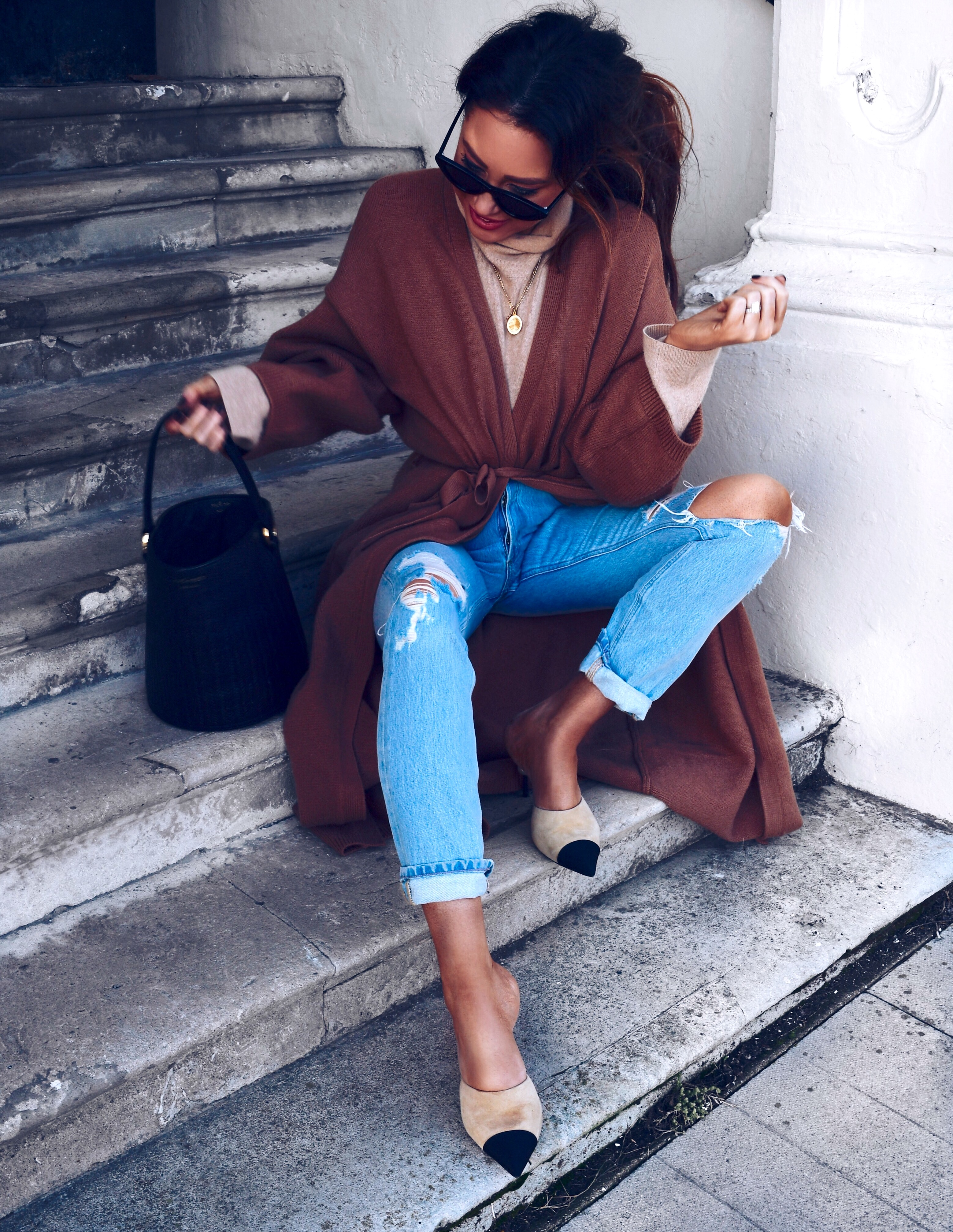 lovers-and-friends-cardigan-tan-chanel-mules-denim-jeans