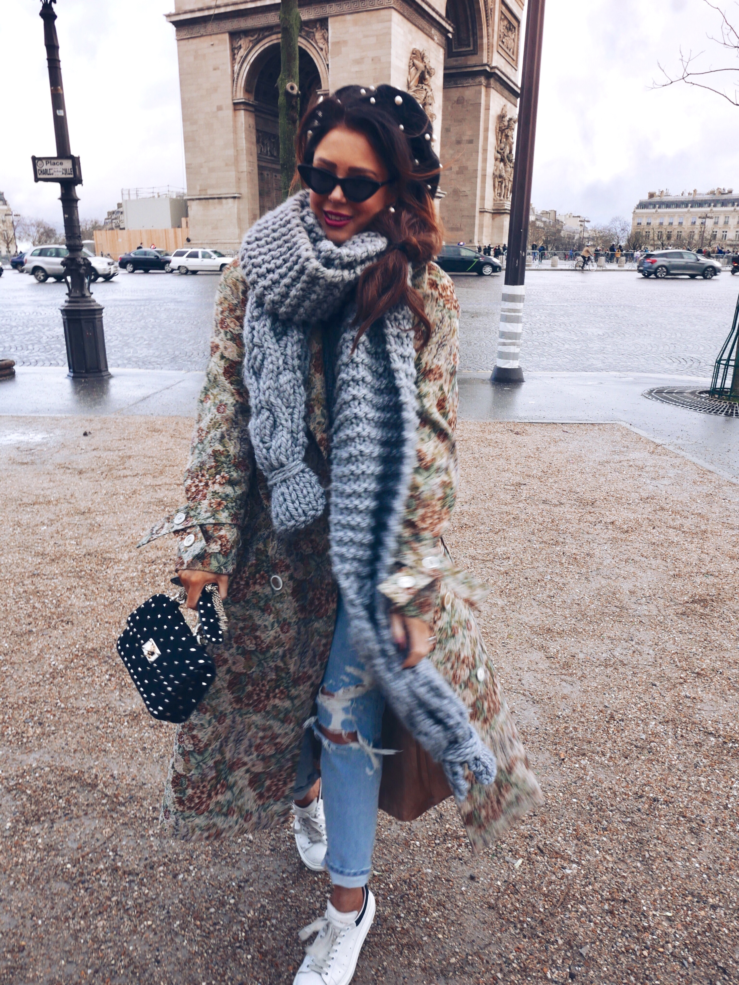 lornaluxe-arc-du-triomphe-paris=mumshandmade-cosy-scarf-pearl-beret-le-specs-valentino-spike